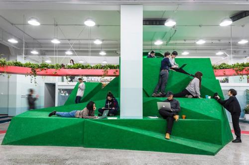 archistory-Офисе в котором можно отдохнуть, побегать или вырастить цветы00006