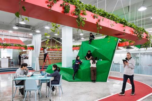 archistory-Офисе в котором можно отдохнуть, побегать или вырастить цветы00009