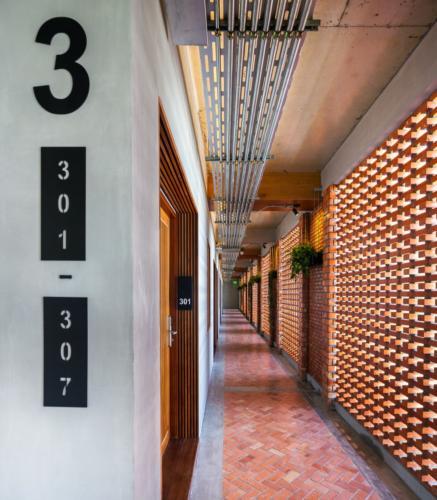 archistory.net-необычный фасад отеля 00014
